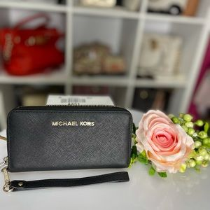 Preloved Michael Kors black wallet